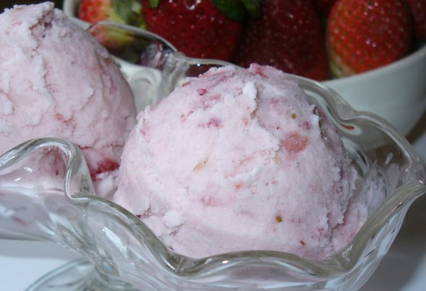 Homemade Strawberry Ice Cream Recipe