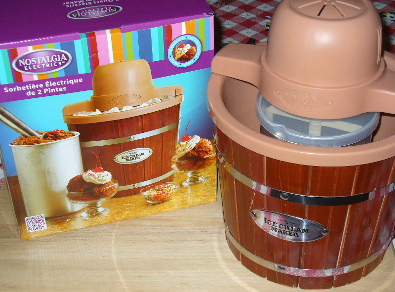 Nostalgia Electrics 2 Quart Ice Cream Maker